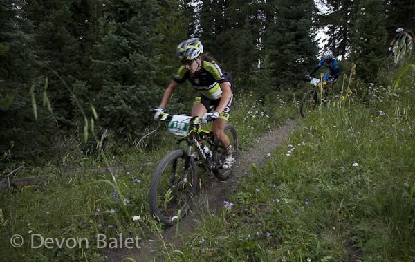 Sonya Looney racing in the Breck Epic. Photo: Devon Balet