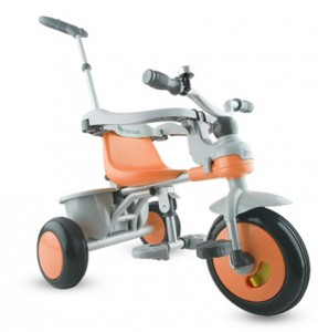 All safety features installed: seat surround arms, foot rest and adult push handle.