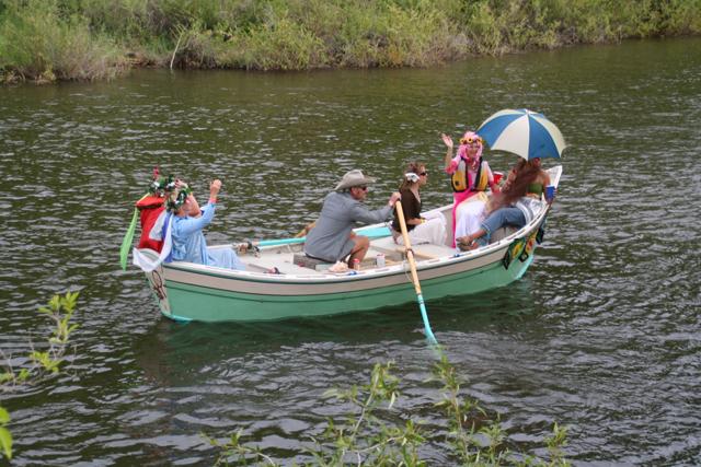 DRF teal Boat